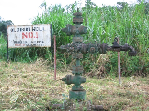 West Africa's first oil well, drilled by Shell in 1956. Rhys Thom, CC BY-NC-ND